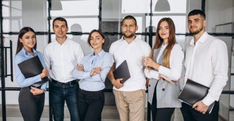 Equipe collaborateurs jeunes innovation dématérialisation